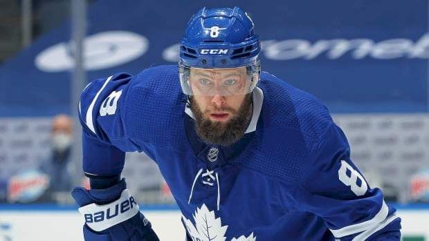 Leafs' Muzzin out with broken facial bone; Andersen, Hyman, Thornton also injured